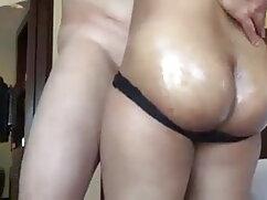 लवली पतली प्रेमिका एक पट्टी नृत्य में नग्न हो हिंदी सेक्सी मूवी वीडियो में जाता है