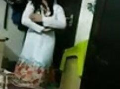 त्रिगुट में गोरा और एशियाई नर्स सेक्स करते हुए हिंदी मूवी